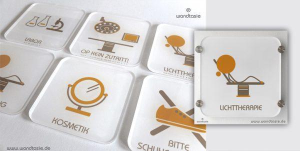 Praxisschilder aus Acrylglas für Hautärzte von www.wandtasie.de